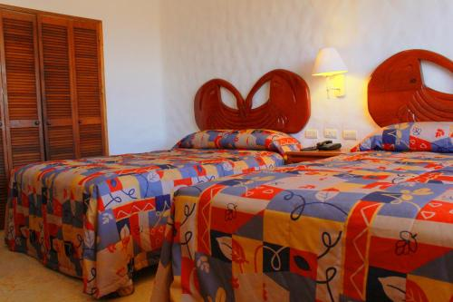 Hotel Quijote Inn Photo