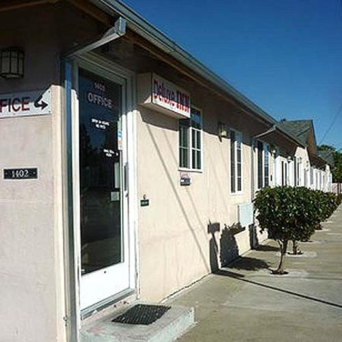 Deluxe Inn Redwood City - Redwood City, CA 94063