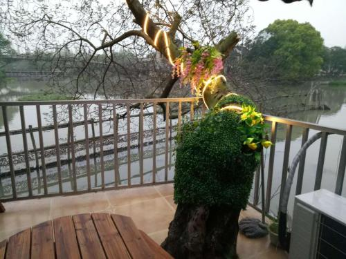 Wuzhen Helan Bridge Inn, Tongxiang