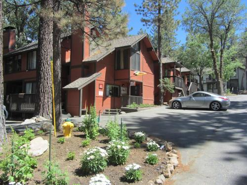 Two-bedroom Deluxe Unit #69 - Big Bear Lake, CA 92315