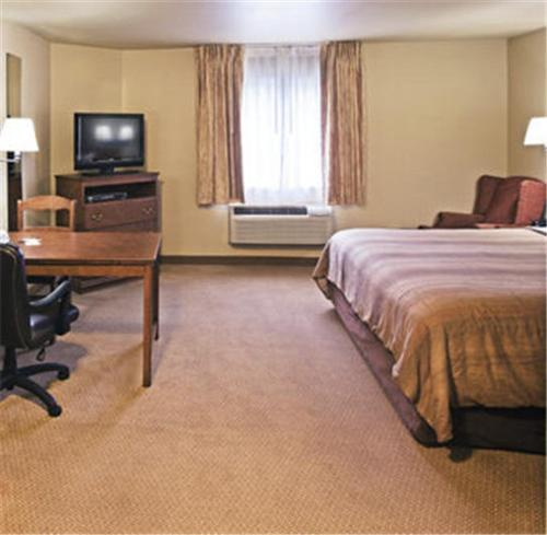 Candlewood Suites Tulsa Photo