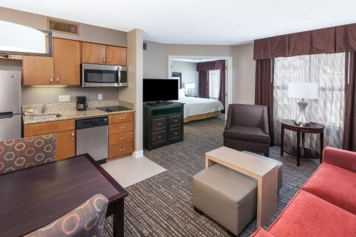 Homewood Suites by Hilton Indianapolis At The Crossing photo 14