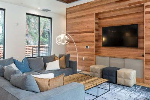 Global Luxury Suites at Downtown Mountain View Photo