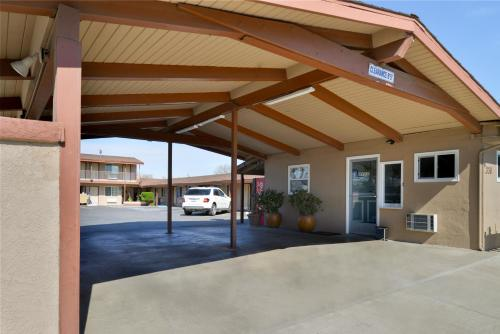Americas Best Value Inn Los Banos Photo