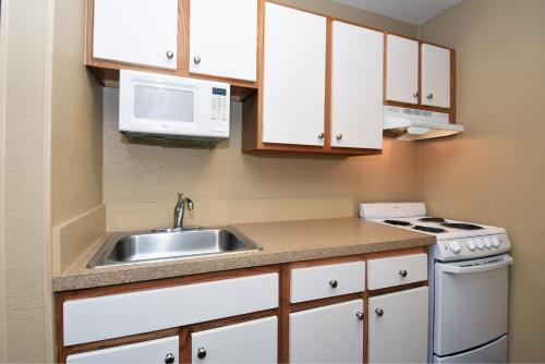 Extended Stay America - Indianapolis - Northwest - College Park photo 2
