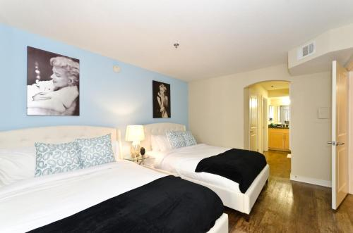 Hollywood and The Grove Luxury Pavilion Resort Style Suite - Los Angeles, CA 90036