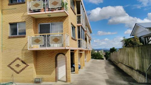 Clayfield Apartment