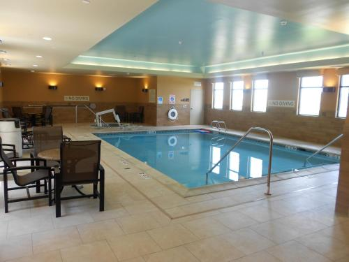 Hampton Inn & Suites Dodge City Photo