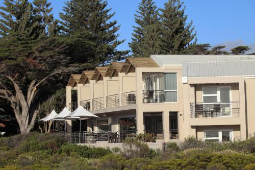 Abalone Guest Lodge Photo