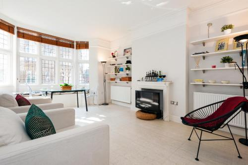 FG Apartment - Chelsea, Drayton Gardens, SW10 photo 10