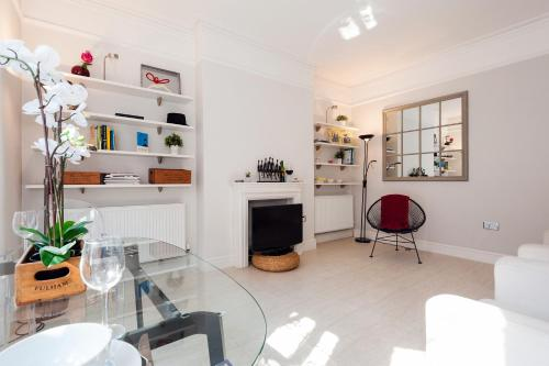 FG Apartment - Chelsea, Drayton Gardens, SW10 photo 16