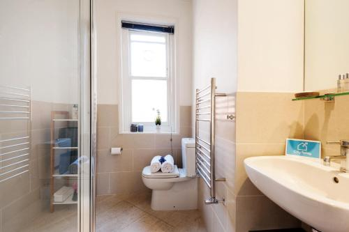 FG Apartment - Chelsea, Drayton Gardens, SW10 photo 19