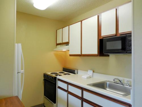 Extended Stay America - Raleigh - Cary - Harrison Ave. Photo