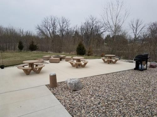 Boulders Inn and Suites - Milford/Okoboji Photo