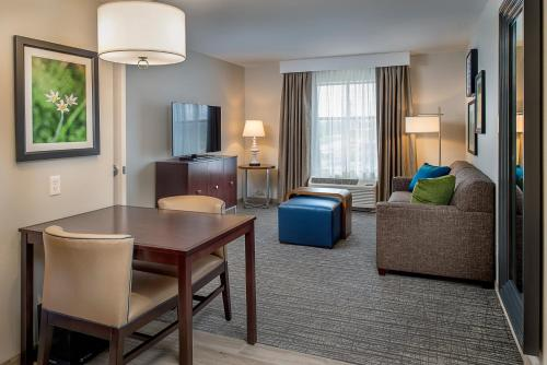 Homewood Suites by Hilton St. Louis Westport Photo