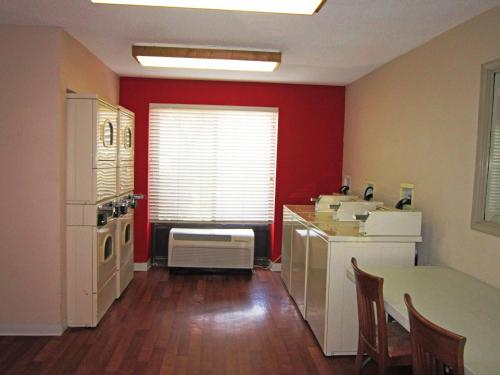 Extended Stay America - Houston - Med. Ctr. - NRG Park - Kirby photo 23