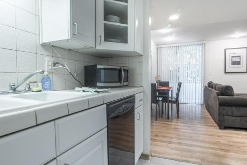 Greenfield Apartment 14 - Los Angeles, CA 90024