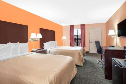 Days Inn & Suites - Moulton - Moulton, AL 35650