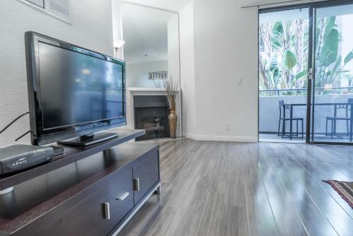 Midvale Apartment 339 - Los Angeles, CA 90024