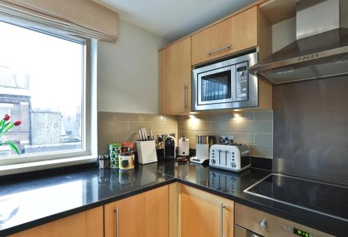 5 Star Central London 3 Bedroom Apartment photo 8