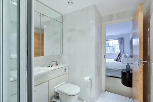 5 Star Central London 3 Bedroom Apartment photo 15