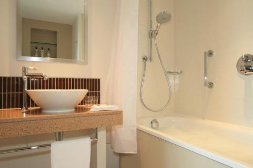 Staybridge Suites London- Stratford photo 5