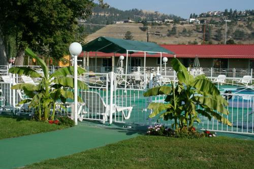 Okanagan Seasons Resort Photo