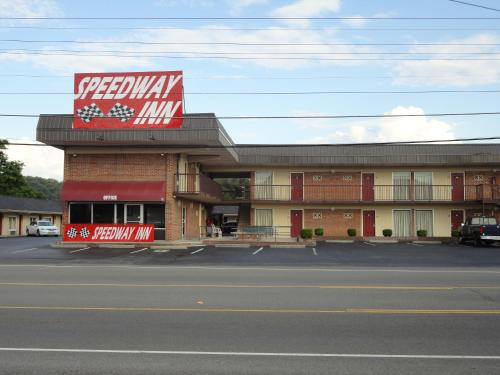 Speedway Inn Photo