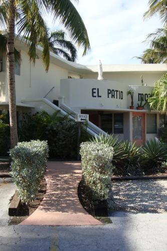 El Patio Motel Photo