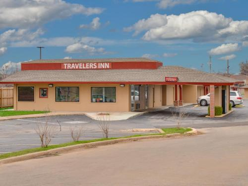 Travelers Inn Midwest City Photo
