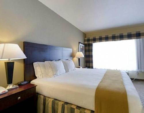 Holiday Inn Express Hotel & Suites San Antonio NW-Medical Area Photo