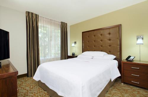 Homewood Suites by Hilton Newark Fremont Photo