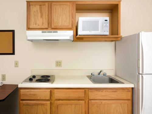 WoodSpring Suites Louisville South - Fairdale, KY 40118