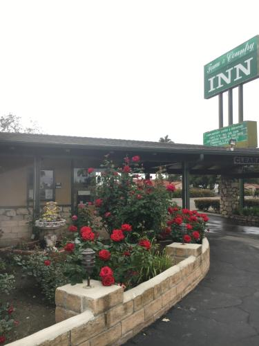 Town and Country Inn Photo