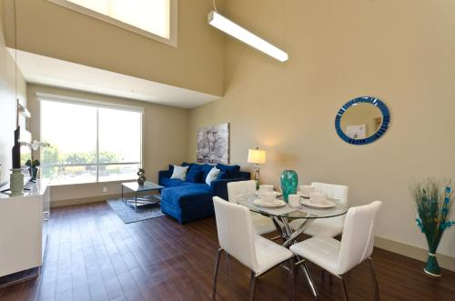 Two Level Walk of Fame Penthouse in Hollywood - Los Angeles, CA 90028
