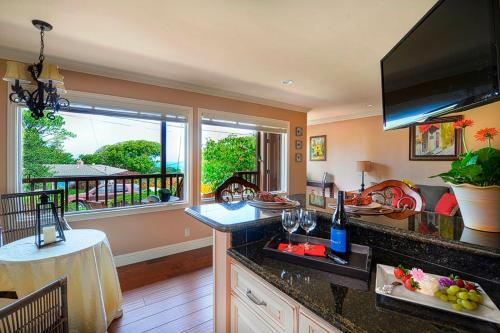 Bayview by the Sea Regent Suite - One Bedroom - 3639