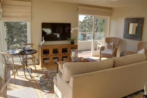 The Carmel Penthouse - Two Bedroom Condominum -3580 - Carmel, CA 93921