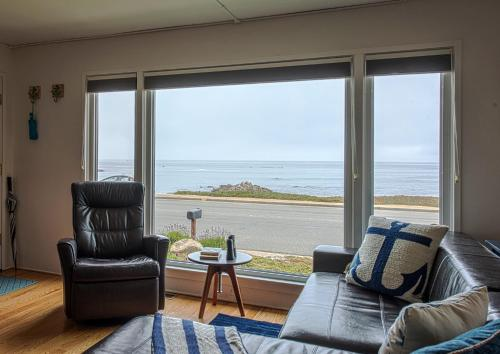 Anchors Away - Four Bedroom Home 3720 - Pacific Grove, CA 93950
