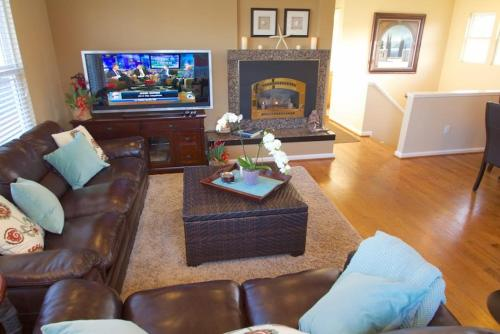 Mermaid House - Three Bedrooms - 3616 - Pacific Grove, CA 93950