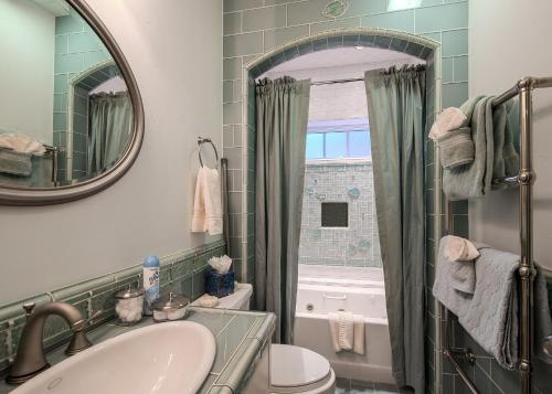 Jewel by the Sea - Four Bedroom Home 3684 - Pacific Grove, CA 93950
