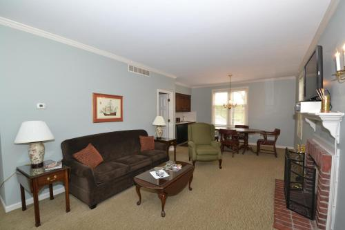 Century Suites Hotel - Bloomington, IN 47401