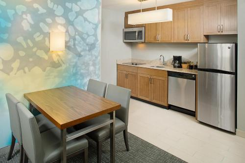 Courtyard By Marriott Sacramento Midtown - Sacramento, CA 95817