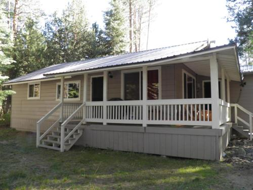 1347 Chinquapin Two-Bedroom Cabin - South Lake Tahoe, CA 96150