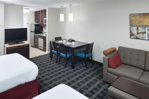 TownePlace Suites Columbia Southeast / Fort Jackson Photo
