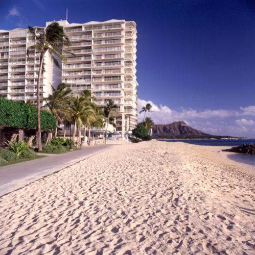 Waikiki Shore Beachfront - Honolulu, HI 96815