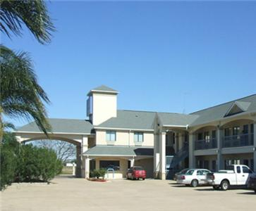 Scottish Inn and Suites Stafford Photo