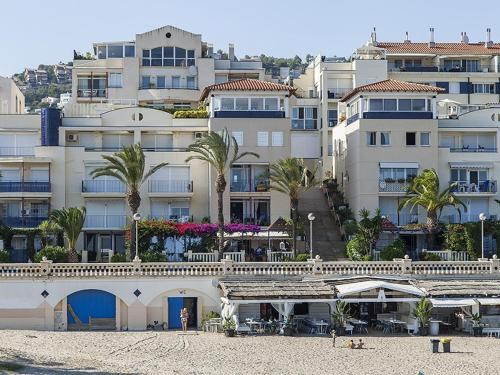 Apt. by the sea by Hello Apartments photo 2