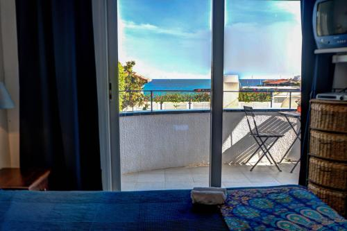 Apt. by the sea by Hello Apartments photo 13