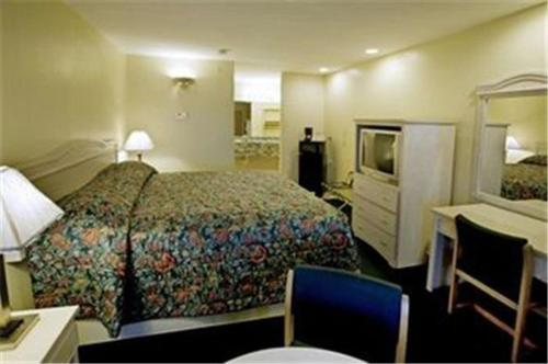 Riviera Inn and Suites Photo