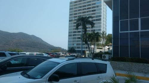 Torre Blanca Diamante Acapulco Photo
